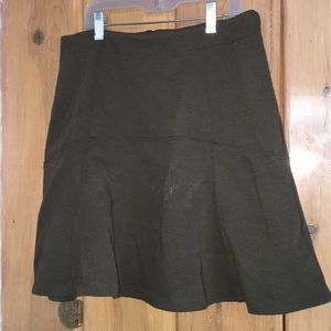 Ann Taylor loft Olive flowy mini skirt with zipper